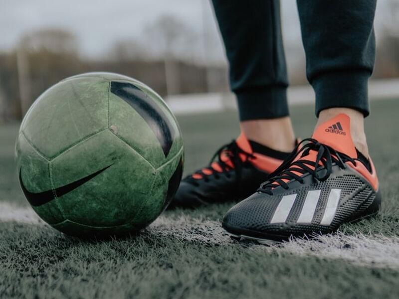 Obuwie piłkarskie